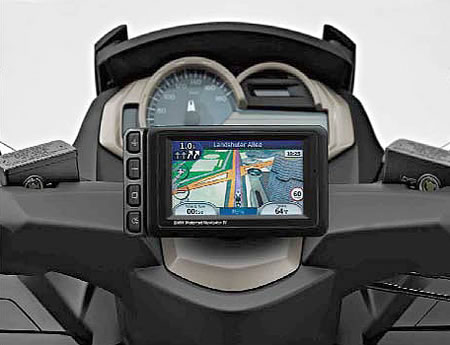 http://www.ascycles.com//images/products/BMW/Scooters/Navigator_IV_GPS-71602318533.JPG
